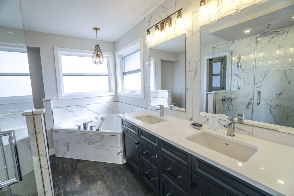 bathroom-3689922_1280